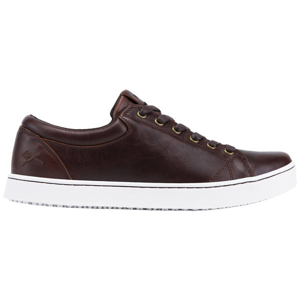 MOZO M39936 Finn Men's Brown Water-Resistant Soft Toe Non-Slip Casual Shoe