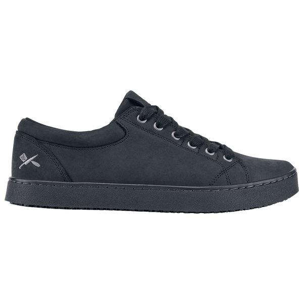 MOZO M39922 Finn Men's Black Water-Resistant Soft Toe Non-Slip Casual Shoe