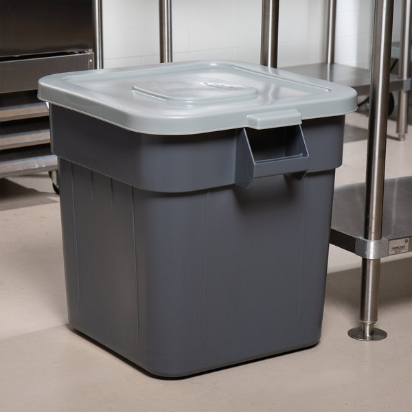 Continental Huskee 32 Gallon Gray Square Trash Can and Lid Main Image 5