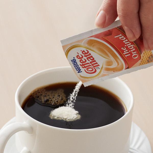Nestle Coffee-Mate 3 Gram Original Powdered Creamer Packet - 1000/Case Main Image 2