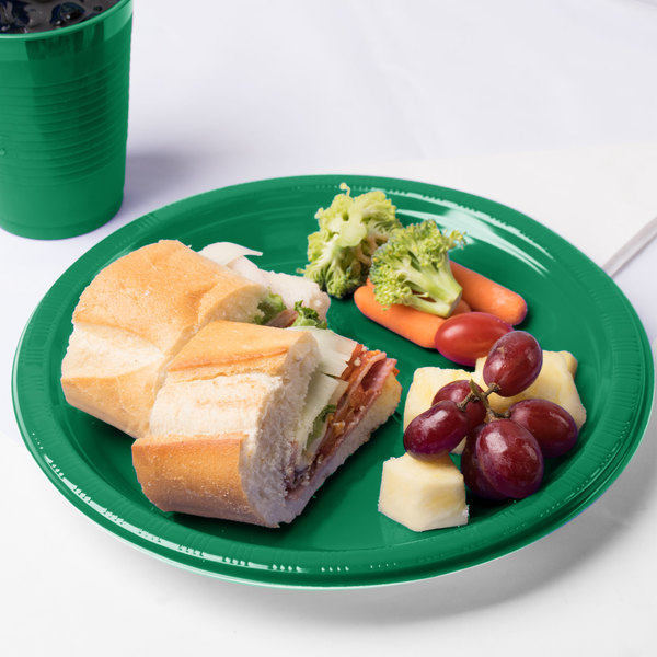 "Creative Converting 28112031 10"" Emerald Green Plastic Plate - 20/Pack"