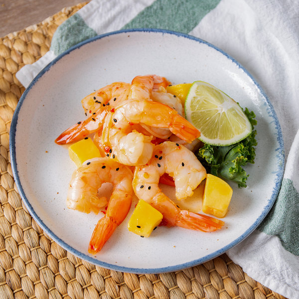 Linton's Seafood 1 lb. Wild-Caught Peeled and Deveined Tail-On Raw Jumbo Shrimp Main Image 3