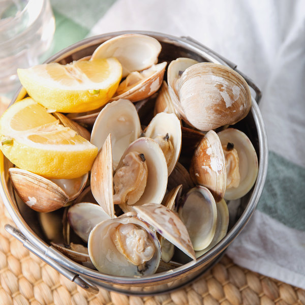 Linton's Seafood Hard Shell Little Neck Live Clams - 100/Case