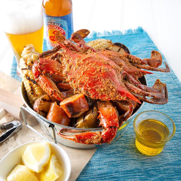 "Linton's 6 1/2"" Heavily Seasoned Steamed Jumbo Maryland Blue Crabs - 12/Case Main Image 4"
