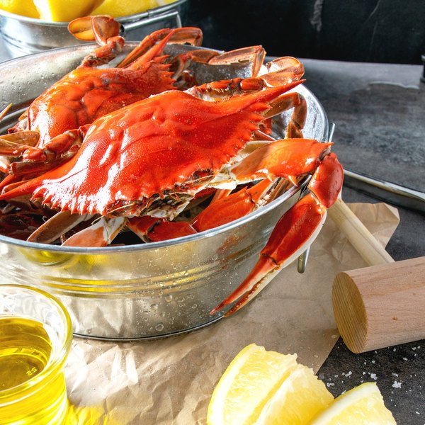 "Linton's Seafood 6 1/2"" Live Jumbo Maryland Blue Crabs - 30/Case Main Image 7"