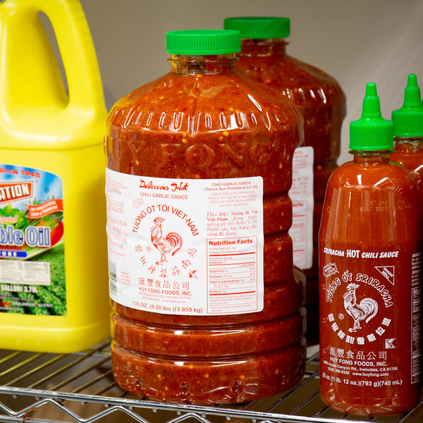 Huy Fong 8.5 lb. Chili Garlic Sauce - 3/Case Main Image 2