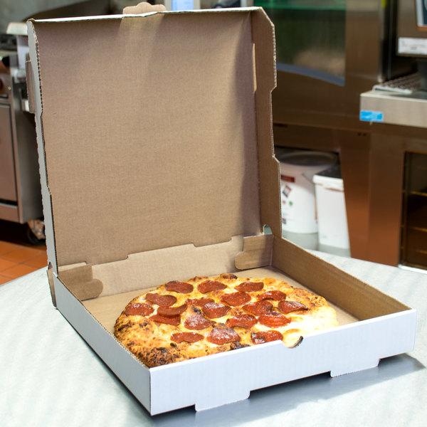 "12"" x 12"" x 1 3/4"" White Corrugated Plain Pizza / Bakery Box - 50/Bundle"