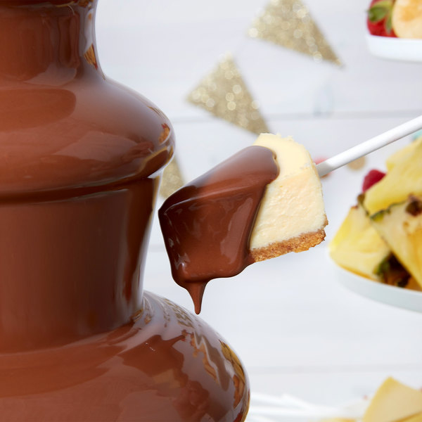 Wilton 2104-2618 Chocolate Pro Milk Chocolate Melting Chocolate Wafers - 2 lb. Main Image 3