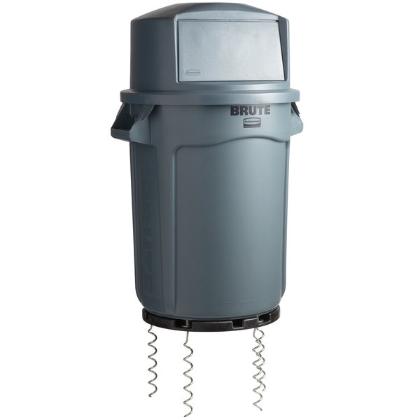 fdd08212 Rubbermaid BRUTE 32 Gallon Gray Trash Can with a Dome Top / Anchor Kit for  Dirt, Sand, and Grass
