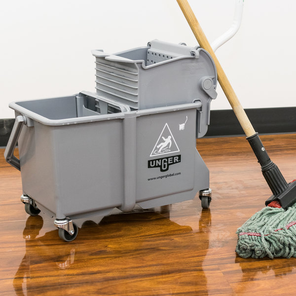 Unger COMSG 4 Gallon Gray Mop Bucket with Side-Press Wringer