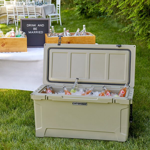 CaterGator CG100TAN Tan 100 Qt. Rotomolded Extreme Outdoor Cooler / Ice Chest Main Image 4