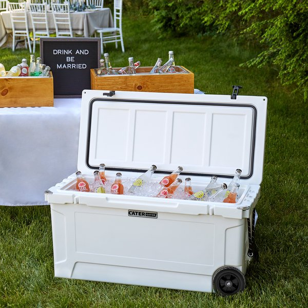 CaterGator CG100WHW White 100 Qt. Mobile Rotomolded Extreme Outdoor Cooler / Ice Chest Main Image 4