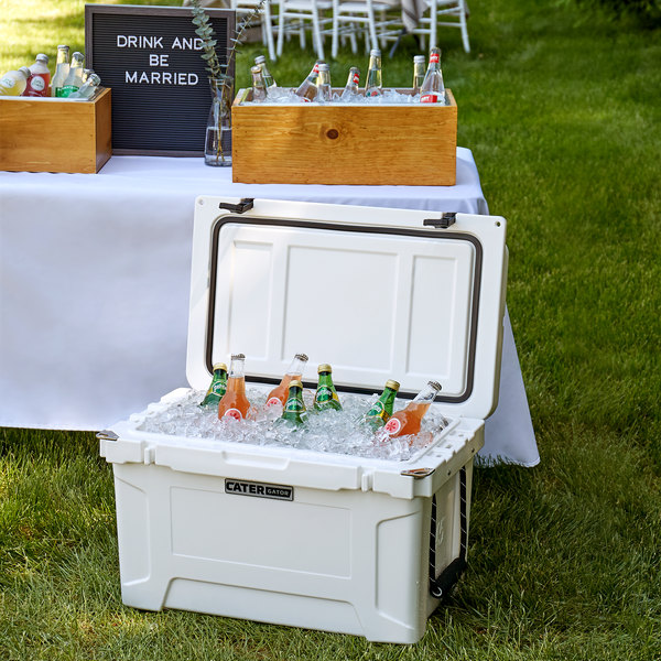 CaterGator CG45WH White 45 Qt. Rotomolded Extreme Outdoor Cooler / Ice Chest Main Image 4