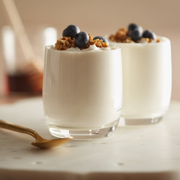 Kronos 4 lb. Fat Free 0% Plain Greek Yogurt - 2/Case Main Image 3