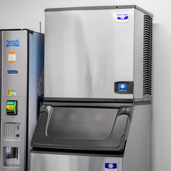 "Manitowoc IYF0900A Indigo NXT Series 30"" Air Cooled Half Dice Cube Ice Machine - 901 lb.; 208-230V"