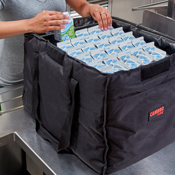 "Cambro GBD211417110 Insulated Black Large Folding Delivery Bag GoBag™ - 21"" x 14"" x 17"""