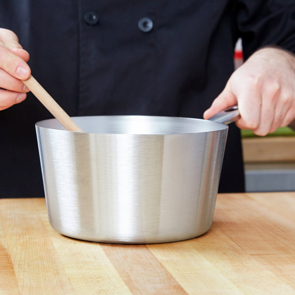 Vollrath 78331 3 Qt. Heavy-Duty Stainless Steel Tapered Sauce Pan