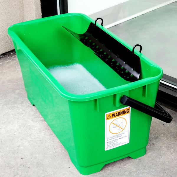 Unger QB220 ProBucket 6 Gallon Window Cleaning Bucket