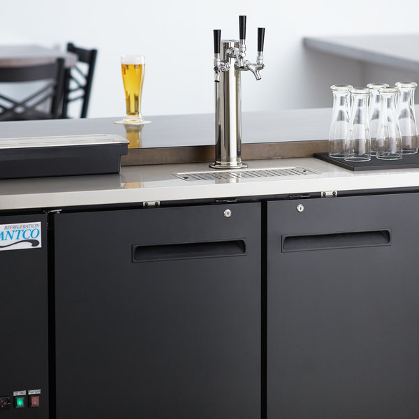 Avantco UDD-2-HC Triple Tap Kegerator Beer Dispenser - Black, (2) 1/2 Keg Capacity