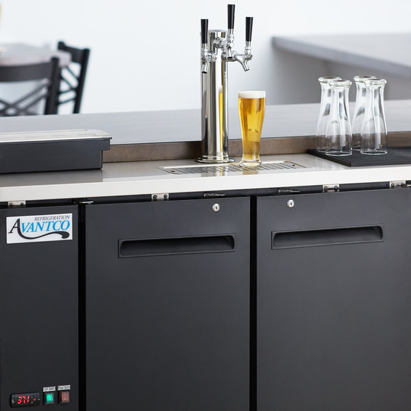 Avantco UDD-48-HC Triple Tap Kegerator Beer Dispenser - Black, (2) 1/2 Keg Capacity