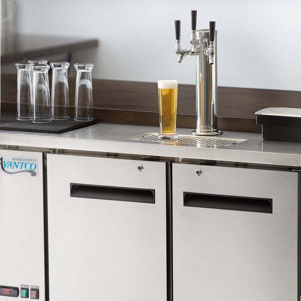 Avantco UDD-48-HC-S Triple Tap Shallow Depth Kegerator Beer Dispenser - Stainless Steel, (2) 1/2 Keg Capacity Main Image 8