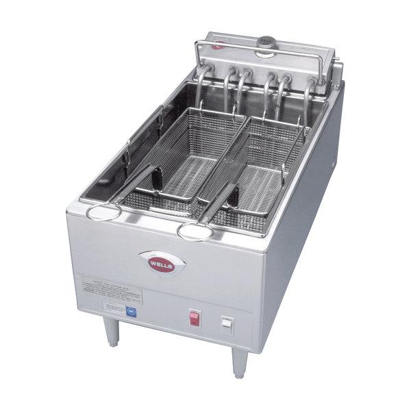Wells F-1725 40 lb. Electric Countertop Fryer - 240V, 17250W
