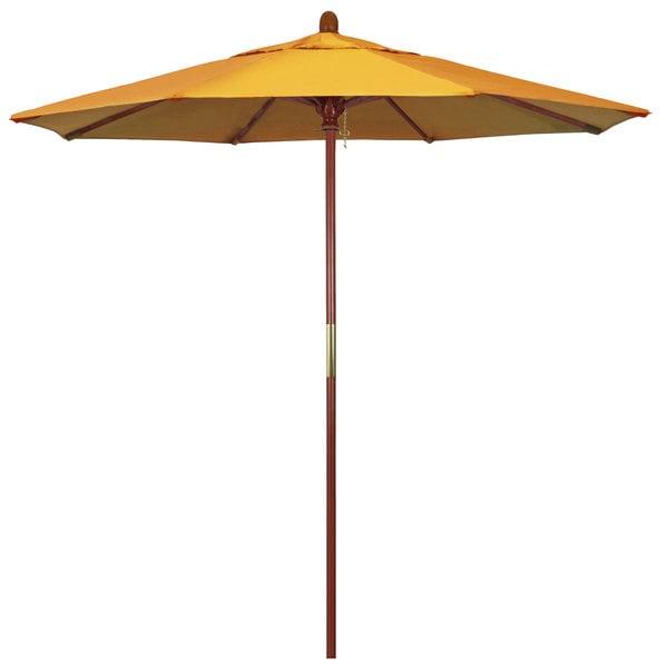 "Lemon Fabric California Umbrella MARE 758 OLEFIN Grove 7 1/2' Round Push Lift Umbrella with 1 1/2"" Hardwood Pole - Olefin Canopy"