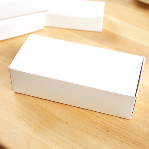 """7 1/4"""" x 3 3/8"""" x 1 7/8"""" 1-Piece 1 lb. Factory Seconds White Candy Box - 25/Pack"""