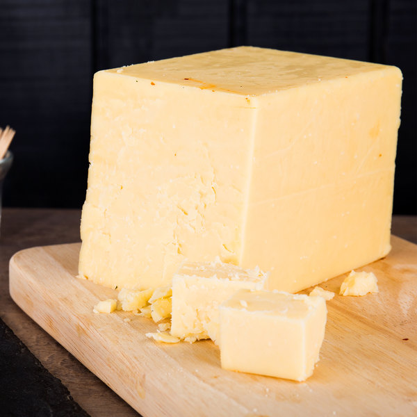 Old Quebec Vintage Cheddar 7 Years Aged Super Sharp Reserve Cheddar Cheese 5 lb. Solid Block - 2/Case Main Image 2