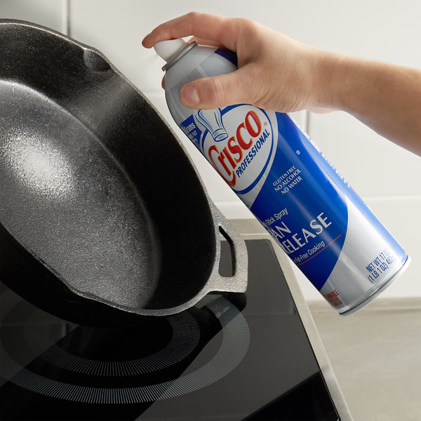 Crisco Professional 17 oz. Pan Release Spray - 6/Case Main Image 2