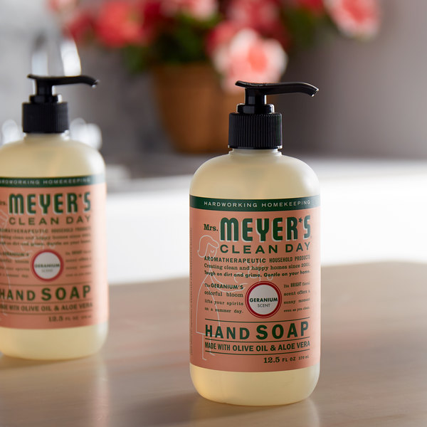 Mrs. Meyer's Clean Day 651332 12.5 oz. Geranium Scented Hand Soap with Pump - 6/Case Main Image 3
