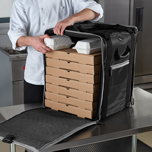 """Vollrath VTB5P00 5-Series Insulated Tower Bag with Power Pack, 18"""" x 17"""" x 22"""" - Holds (10) 16"""" Pizza Boxes Main Image 3"""