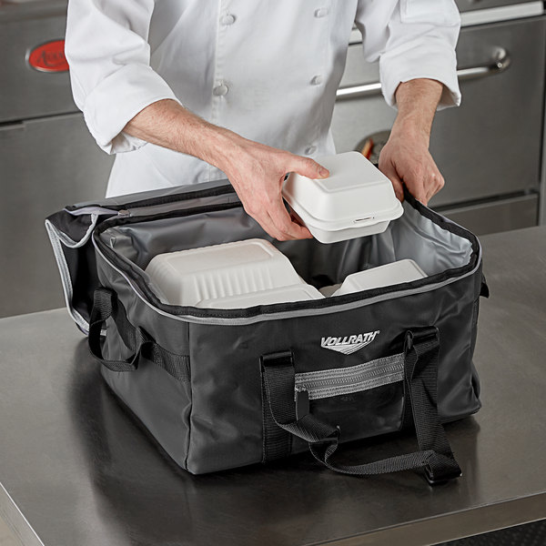 """Vollrath VDBM300 3-Series Medium Insulated Food Pan Carrier / Catering Bag, 17"""" x 13"""" x 9"""" - Holds (2) Half Size Food Pans Main Image 3"""