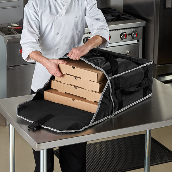 """Vollrath VPB5P18 5-Series Insulated Pizza Delivery Bag with Power Pack, 19"""" x 19"""" x 9"""" - Holds (3) 18"""" Pizza Boxes Main Image 3"""
