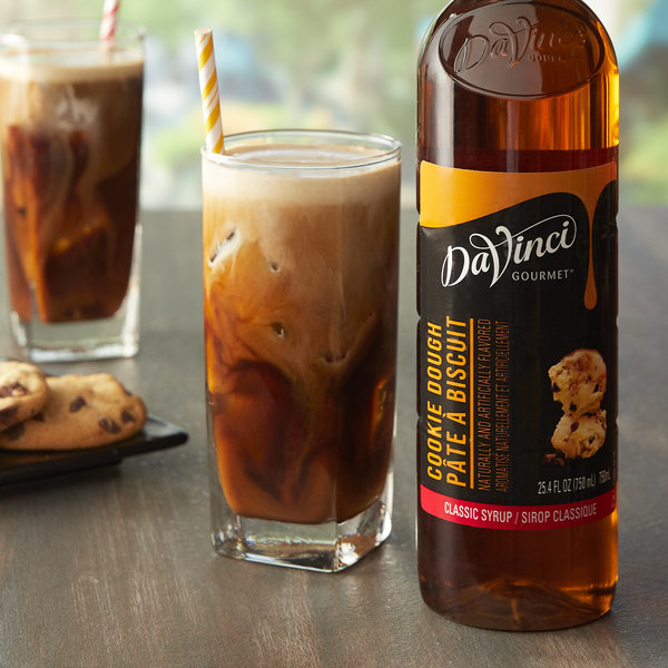 DaVinci Gourmet 750 mL Classic Cookie Dough Flavoring Syrup Main Image 2