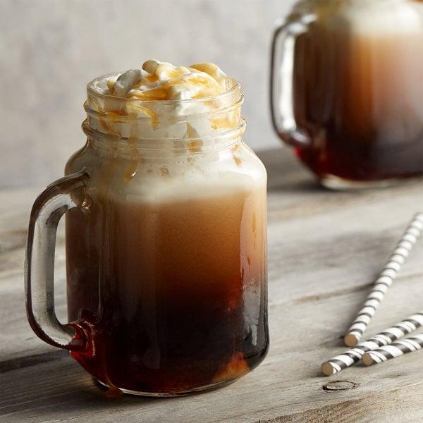 DaVinci Gourmet 750 mL Classic Caramel Pecan Flavoring Syrup Main Image 2