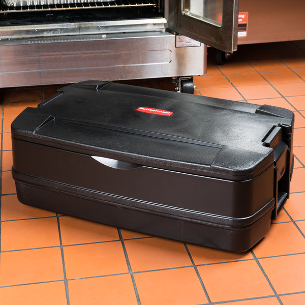 "Rubbermaid FG940600BLA CaterMax 29 1/2"" x 19"" x 10 5/8"" Black Top Loading Insulated Single Food Pan Carrier"