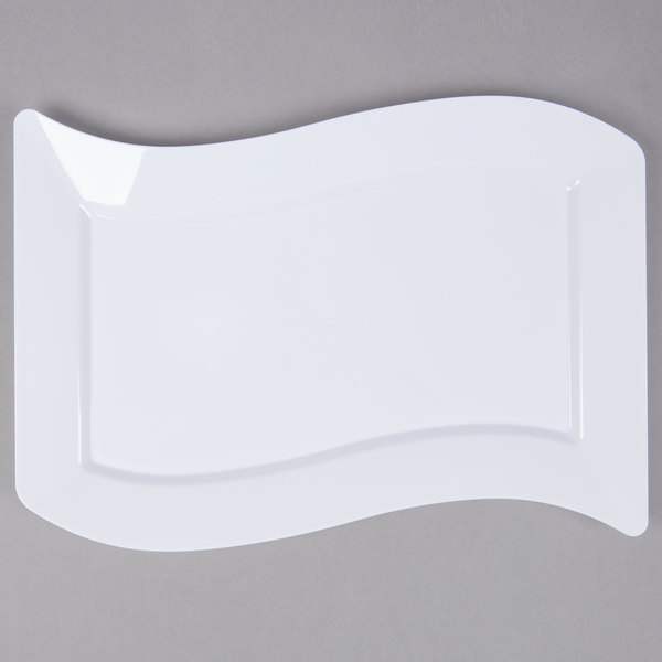 Fineline Wavetrends 1407-WH 7 1/2 inch x 12 inch White Plastic Luncheon Plate - 120/Case