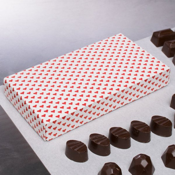 "7 3/8"" x 4"" x 1 1/8"" 2-Piece 1/2 lb. Valentine's Day Heart Candy Box - 125/Case"