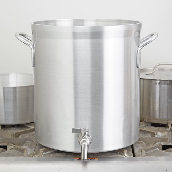 Vollrath 68631 Wear-Ever Classic Select 32 Qt. Heavy Duty Aluminum Stock Pot with Faucet Main Image 2