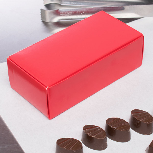 """5 1/2"""" x 2 3/4"""" x 1 3/4"""" 1-Piece 1/2 lb. Red Candy Box - 250/Case"""