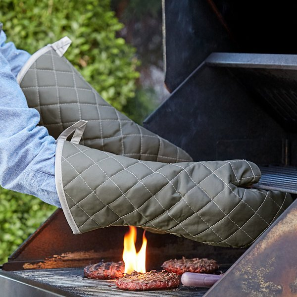 "17"" Flame Retardant Oven Mitts"