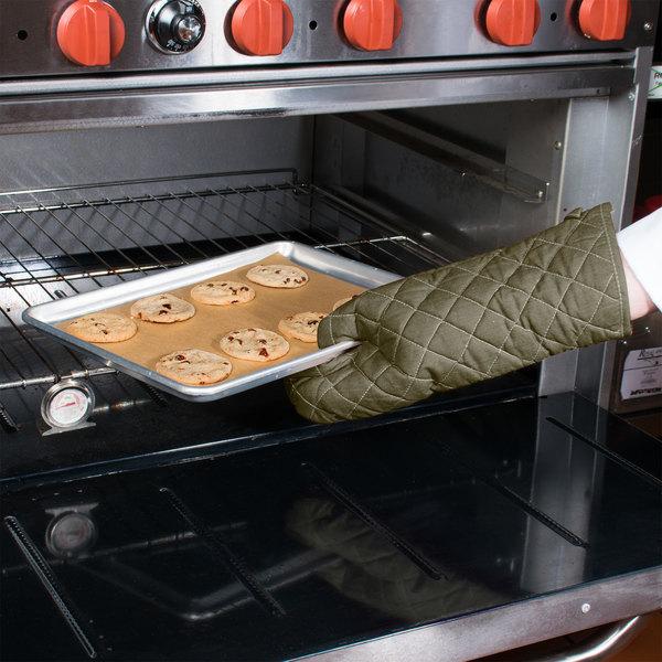 "17"" Flame-Retardant Oven Mitt"