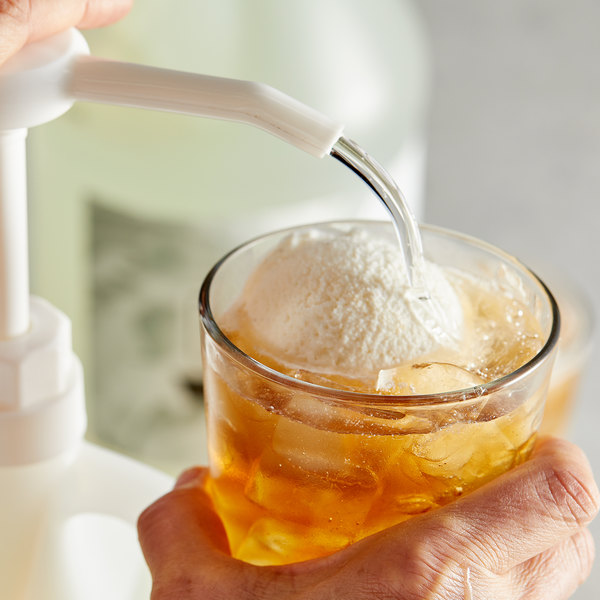 Narvon 1 Gallon Light Vanilla Syrup Main Image 2