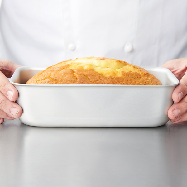 "Vollrath 5433 Wear-Ever 3 lb. Seamless Anodized Aluminum Bread Loaf Pan - 8 1/2"" x 4 1/4"" x 3 1/8"""