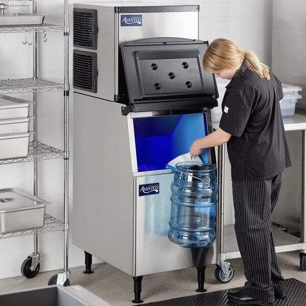 "Avantco Ice KMC-350-B2H 22"" Air Cooled Modular Half Cube Ice Machine with Bin - 350 lb. Main Image 7"