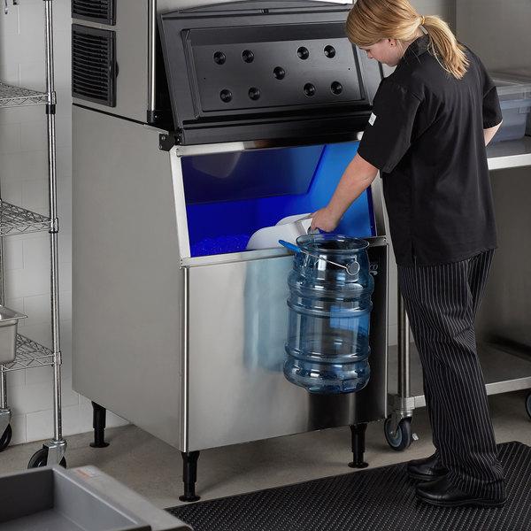 "Avantco Ice BIN27530 30"" Ice Storage Bin - 375 lb. Main Image 5"