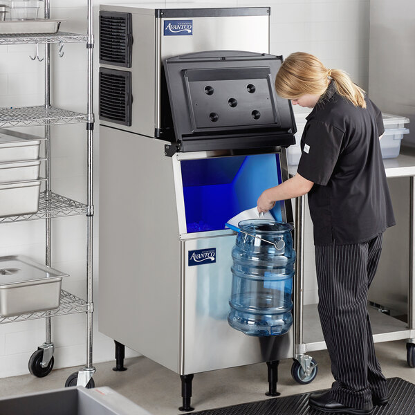 "Avantco Ice KMC-420-B2H 22"" Air Cooled Modular Half Cube Ice Machine with Bin - 420 lb. Main Image 7"