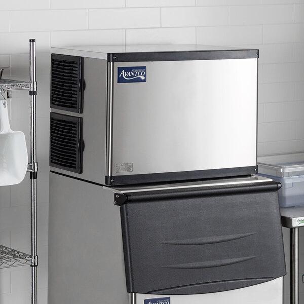"""Avantco Ice MC-500-30-FA 30"""" Air Cooled Modular Full Cube Ice Machine - 497 lb. Main Image 6"""