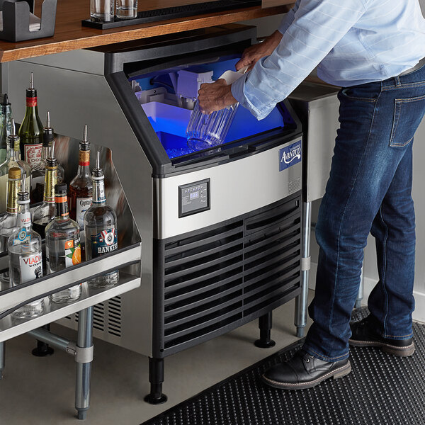"Avantco Ice UC-210-FA 26"" Air Cooled Undercounter Full Cube Ice Machine - 222 lb. Main Image 6"